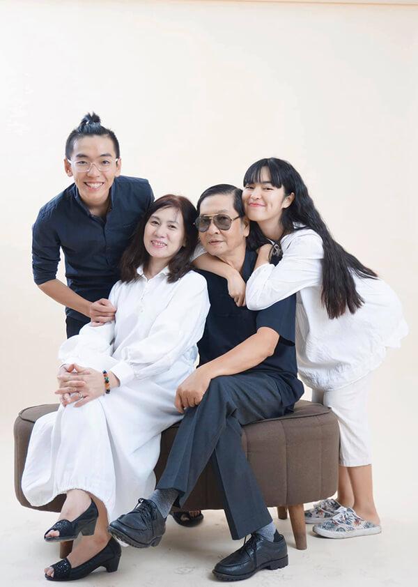 Gia đình bố mẹ diễn viễn Khánh Vân
