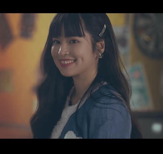 Khánh Vân trong MV của Jack