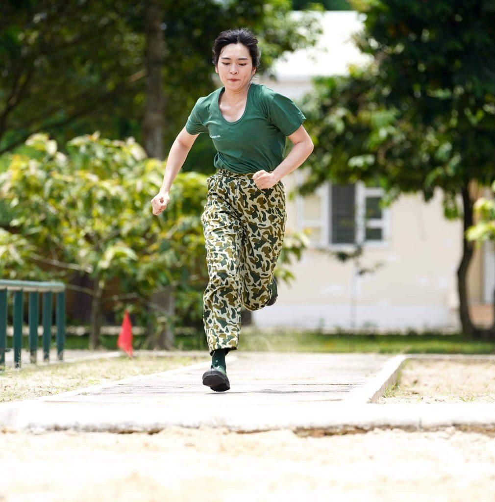 Khánh Vân nhảy xa trong Sao Nhập Ngũ