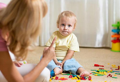 Cách dạy trẻ nghịch ngợm