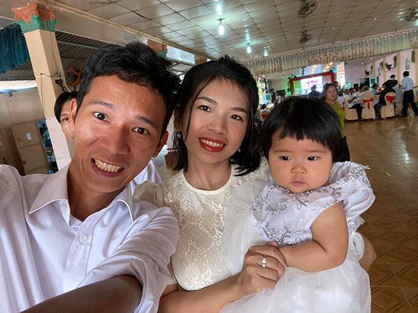 Lâm Vlog và vợ con