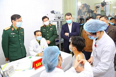 Tiêm vắc xin covid 19 tại Việt Nam