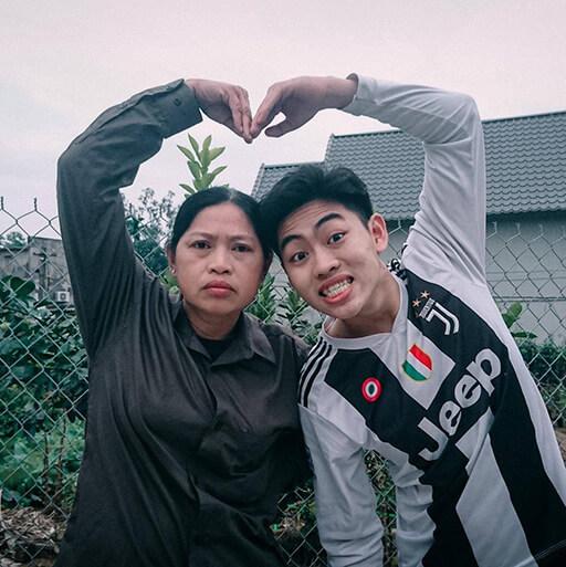NMT Vlog và mẹ