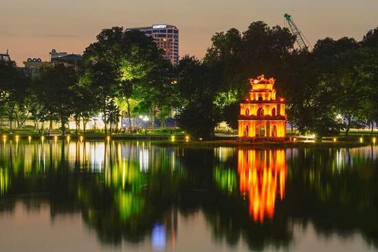 Xe buýt ra Hồ Hoàn Kiếm - Hồ Gươm