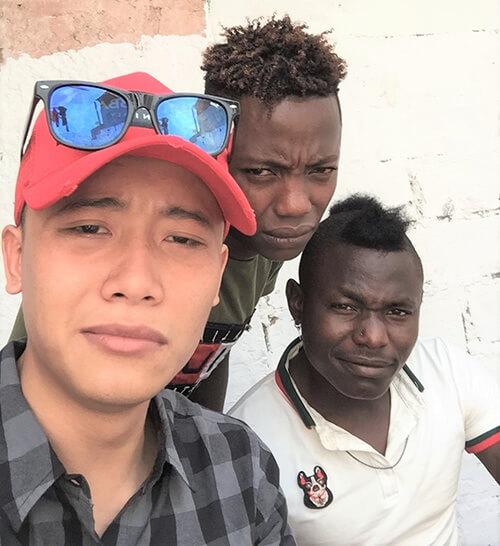 Quang Linh Vlogs và những người da đen châu Phi