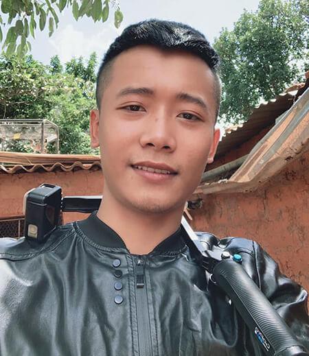 Quang Linh Vlogs là ai