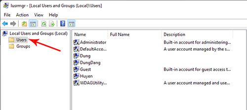 Mở mục chứa các tài khoản User trong Windows 11