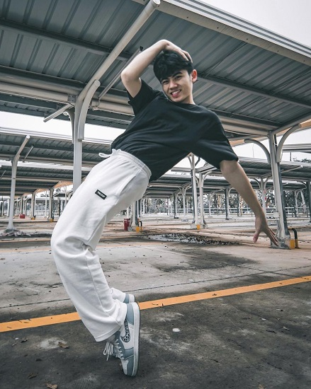 Nhật Minh nhảy trên TikTok